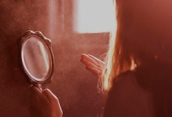 1363196537_film-girl-life-mirror-mirrors-Favim.com-357488