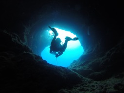 cave-1154294_1920