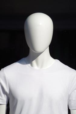 mannequin-1312106_1920